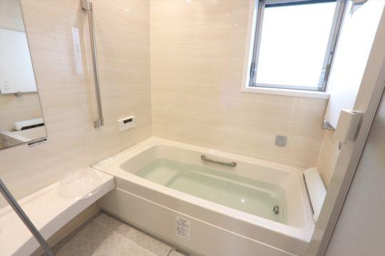 築28年の家の浴室リフォームです。