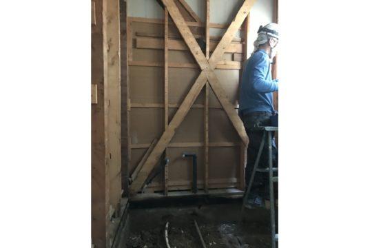 既存壁木軸下地解体後